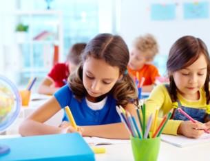เหตุผลที่ยืนยันว่าทำไมเด็กที่พูดได้หลายภาษามักจะมีความคิดสร้างสรรค์