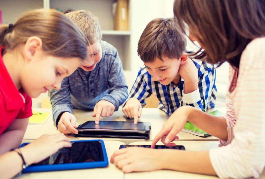 การเรียนรู้แบบก้าวหน้าด้วยเทคโนโลยี